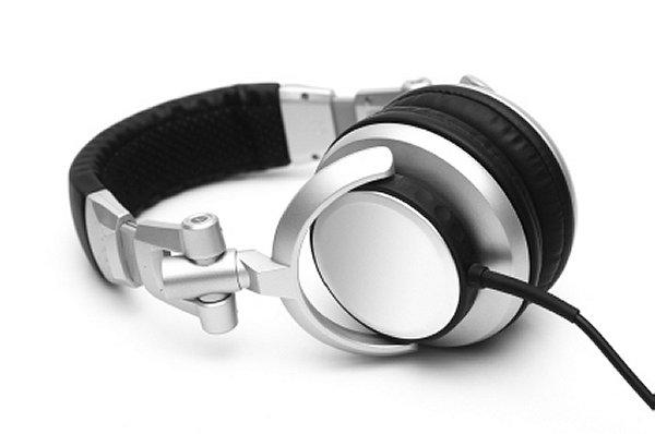 headset-600-398