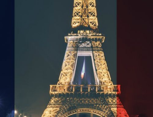 """Je suis Paris"" – infobroker turns into blue, white and red for France"
